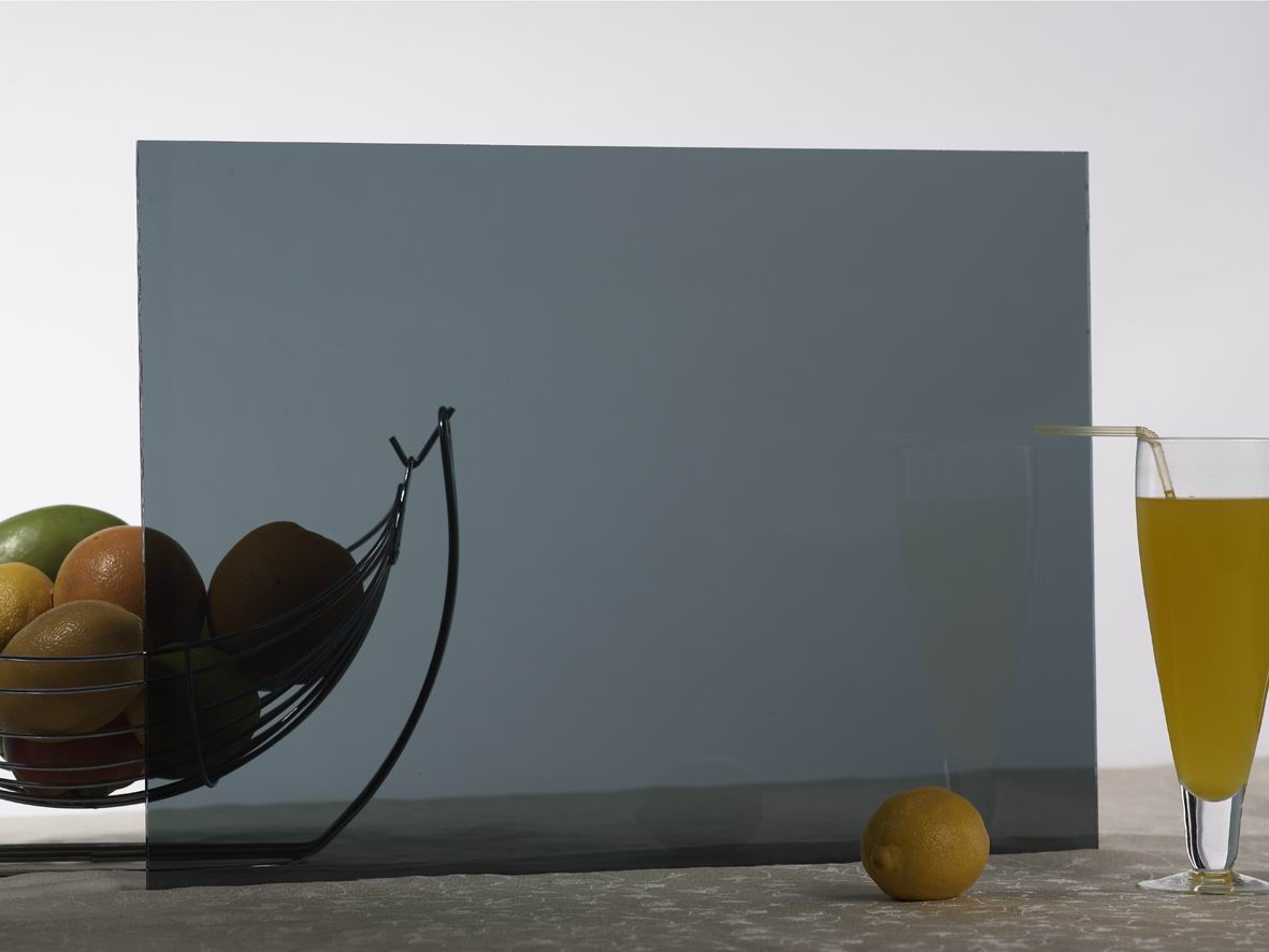 verre tremp teinte gris verre tremp sur mesure. Black Bedroom Furniture Sets. Home Design Ideas