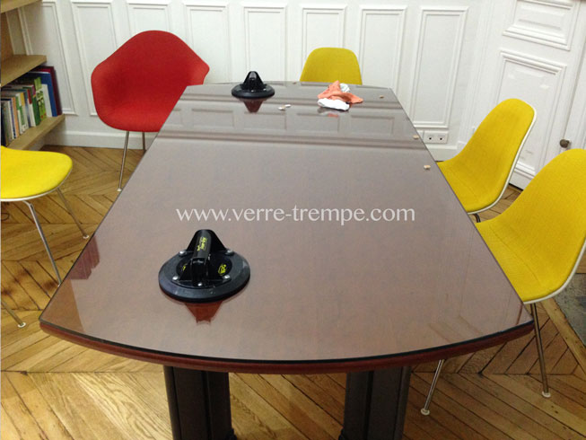 protection de table en verre tremp verre tremp sur mesure. Black Bedroom Furniture Sets. Home Design Ideas